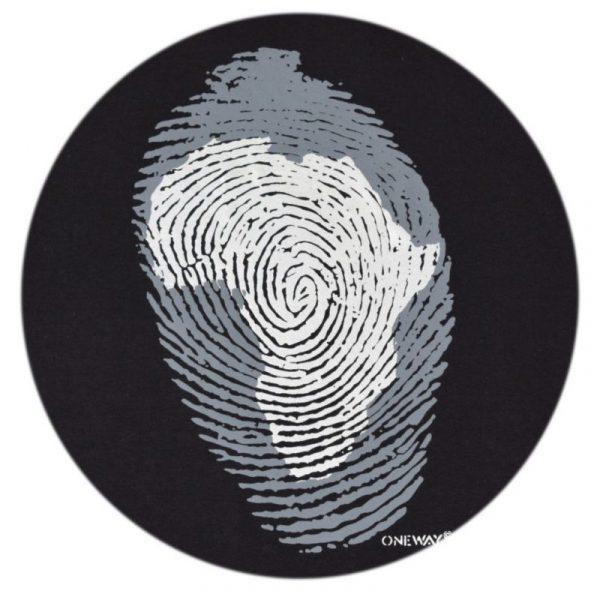 Africa Thumb Print t-shirt (Black)